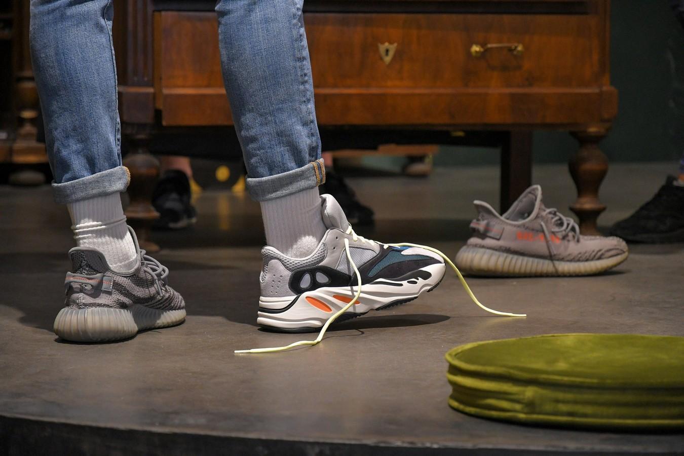 ديناميكي لمح تنتهك Nike Kanye West Cena Sjvbca Org