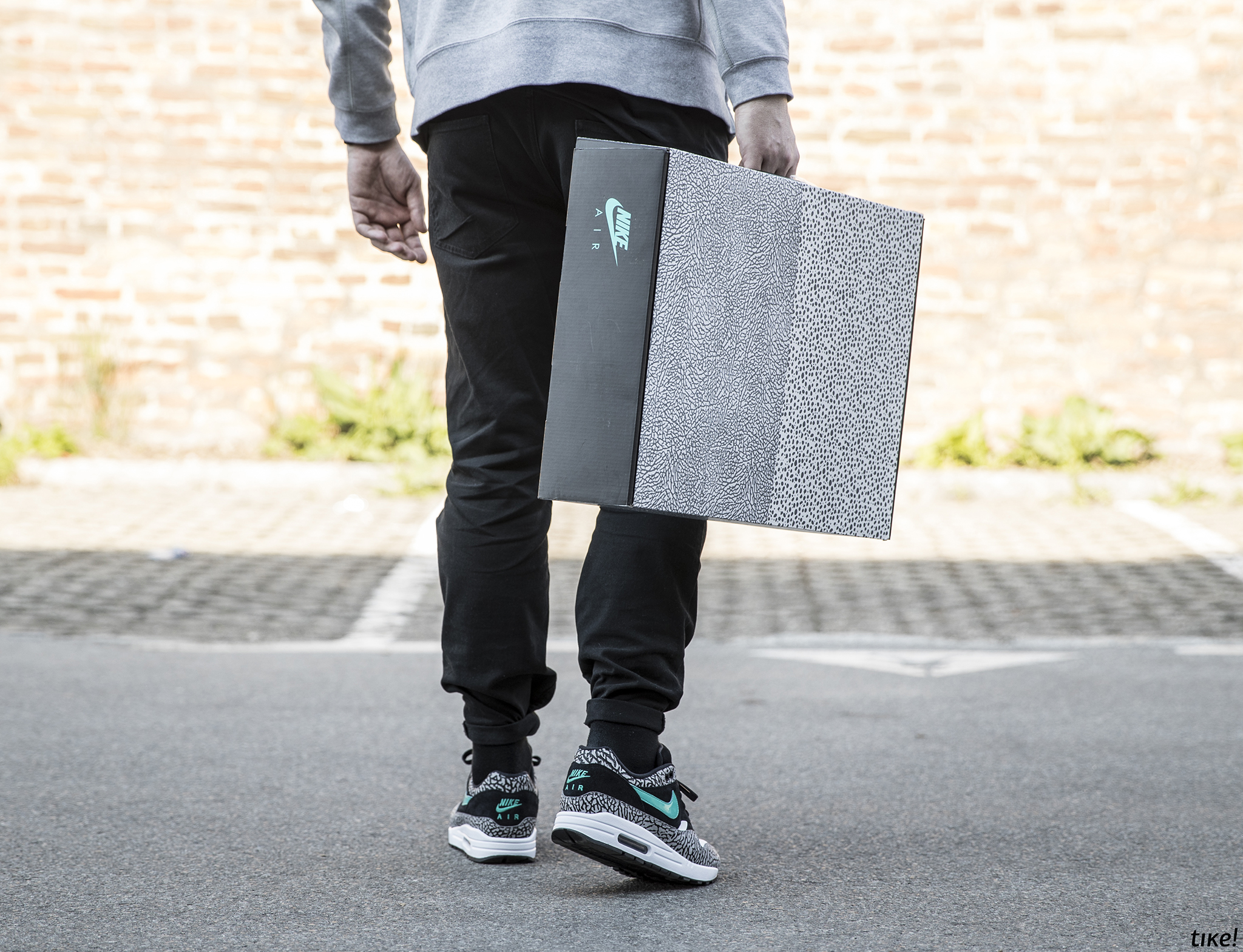 """Nike Jordan X Max """"Atmos"""" Pack"""