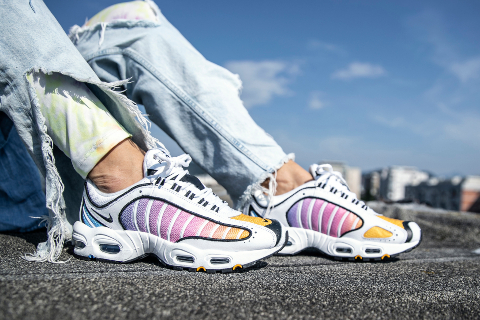 DON'T COLOR, MULTI-COLOR WITH NEW NIKE AIR MAX TAILWIND