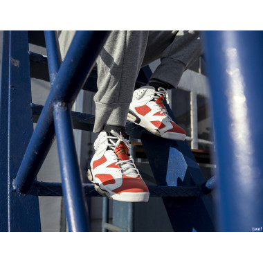 nike air maestro white red navy uniform code